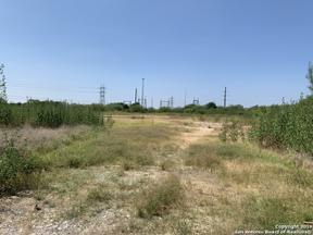 Property for sale at 19511 Marbach Ln, Garden Ridge,  Texas 78266