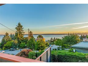 Property for sale at 2430 SW 121st St, Burien,  WA 98146