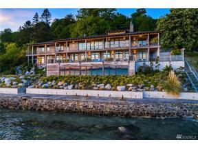 Property for sale at 2481 Perkins Lane W, Seattle,  WA 98199