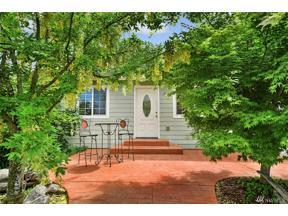 Property for sale at 37404 Bay St NE, Hansville,  WA 98340