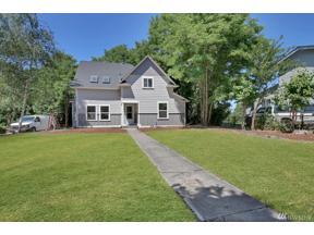 Property for sale at 107 E 35th St, Tacoma,  WA 98404