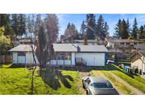 Property for sale at 10526 203rd Ave E, Sumner,  WA 98391