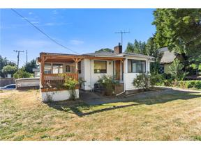 Property for sale at 8701 Palatine Ave N, Seattle,  WA 98103