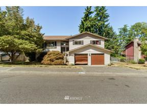 Property for sale at 3822 SW 331st Street, Federal Way,  WA 98023