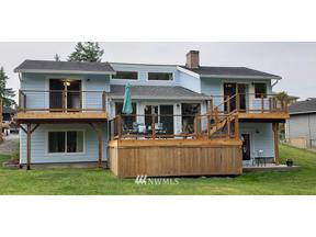 Property for sale at 18812 52nd Street E, Lake Tapps,  WA 98391