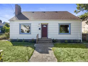 Property for sale at 1206 N Pine St, Tacoma,  WA 98406