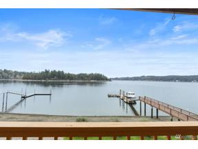 Property for sale at 410 6th Ave, Fox Island,  WA 98333