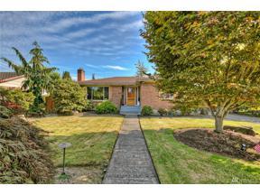 Property for sale at 1410 Park St, Sumner,  WA 98390