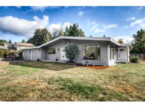 Property for sale at 12716 SE 258th St, Kent,  WA 98030