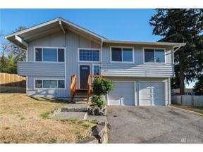 Property for sale at 2627 SW 351st St, Federal Way,  WA 98023