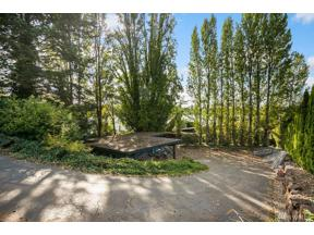 Property for sale at 4635 NE Lake Washington Blvd, Kirkland,  WA 98033