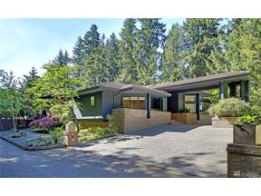 Property for sale at 1237 Evergreen Point Rd, Medina,  WA 98039