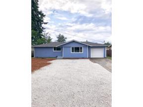 Property for sale at 871 Monroe Ave Ne, Renton,  WA 98056