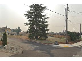 Property for sale at 1701 Laurel Cir, Milton,  WA 98354