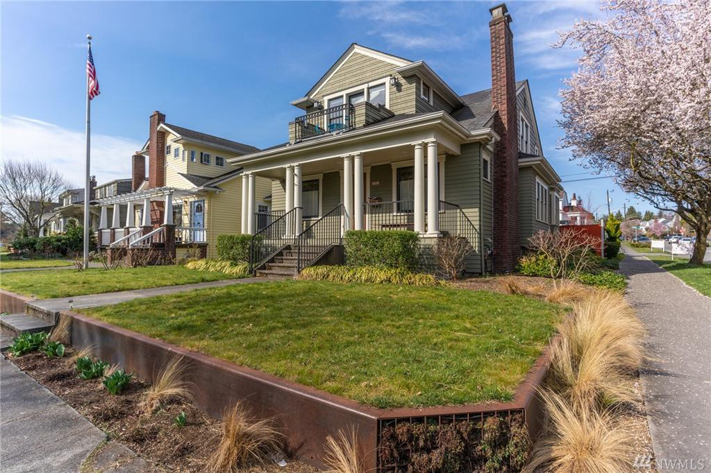 Photo of home for sale at Dr, Seattle WA