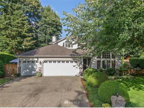 Property for sale at 911 198th Avenue E, Lake Tapps,  WA 98391