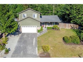 Property for sale at 70 20th Avenue Ct, Milton,  WA 98354