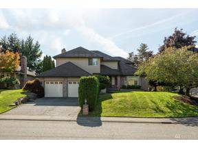Property for sale at 1095 SW 332nd Place, Federal Way,  WA 98023