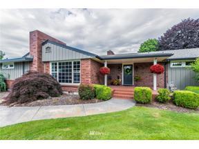 Property for sale at 323 Wood Avenue, Sumner,  WA 98390