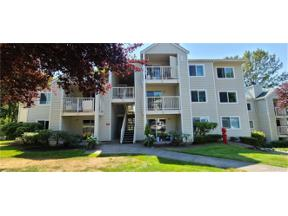 Property for sale at 975 Aberdeen Ave NE Unit: E103, Renton,  WA 98056
