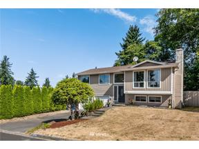Property for sale at 2218 S 284th Place, Federal Way,  WA 98003
