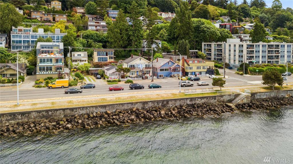 Photo of home for sale at Ave, Seattle WA