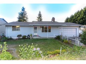 Property for sale at 313 13Th Ave, Milton,  WA 98354