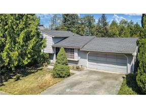 Property for sale at 918 SW 316th Place, Federal Way,  WA 98023