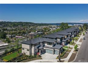 Property for sale at 819 Cedar Ave S, Renton,  WA 98057