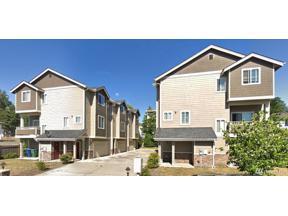 Property for sale at 978 Edmonds Wy NE, Renton,  WA 98056