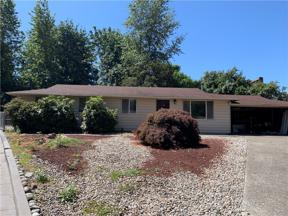 Property for sale at 12155 SE 212th Court, Kent,  WA 98031