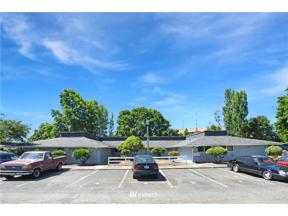 Property for sale at 10839 SE 200th Street, Kent,  WA 98031