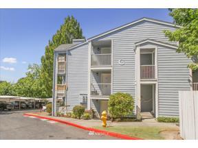 Property for sale at 975 Aberdeen Avenue NE # C303, Renton,  WA 98056