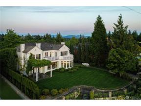 Property for sale at 2403 Evergreen Point Road, Medina,  WA 98039