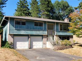 Property for sale at 4304 NE 17th Street, Renton,  WA 98059