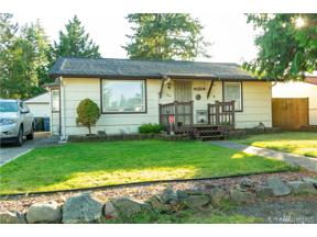 Property for sale at 804 116th St S, Tacoma,  WA 98444