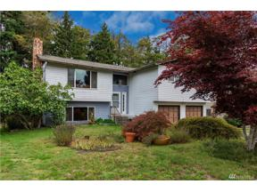 Property for sale at 4942 SW 324th Place, Federal Way,  WA 98023
