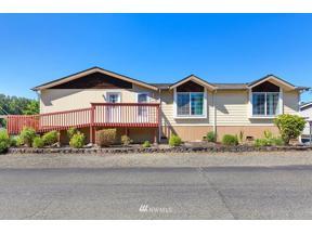 Property for sale at 7117 141st Avenue E # 49, Sumner,  WA 98390