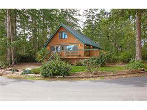 Property for sale at 20 E Treasure Island Dr, Allyn,  WA 98546