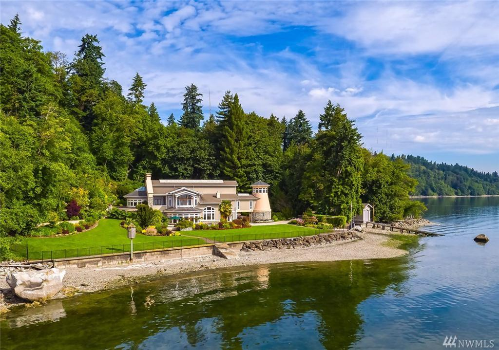 Photo of home for sale at Rd, Vashon WA