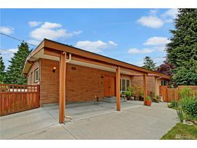 Property for sale at 10038 31st Ave NE, Seattle,  WA 98125