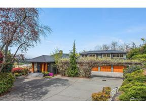 Property for sale at 8940 NE 14th St, Clyde Hill,  WA 98004