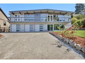 Property for sale at 2208 Alder St NE, Tacoma,  WA 98422