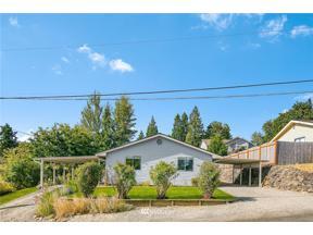 Property for sale at 4712 NE 24th Street, Renton,  WA 98059