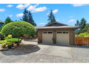 Property for sale at 26625 Woodland Way S, Kent,  WA 98030