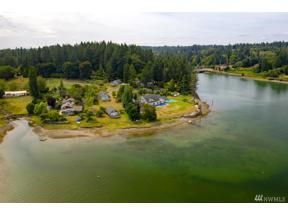 Property for sale at 1223 Joes Bay Rd NW, Lakebay,  WA 98349