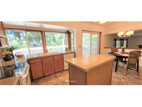 Property for sale at 32628 51st Place SW, Federal Way,  WA 98023