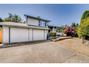Property for sale at 2935 SW 339th St, Federal Way,  WA 98023