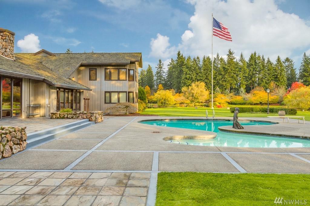 Photo of home for sale at St, Vashon WA