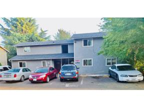 Property for sale at 2703 S 256 Street Pl, Kent,  WA 98032